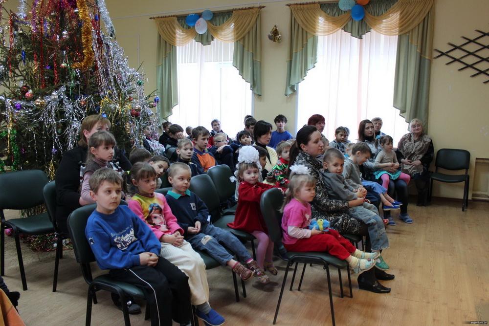 Оказание благотворительной помощи школам-интернатам для детей-сирот