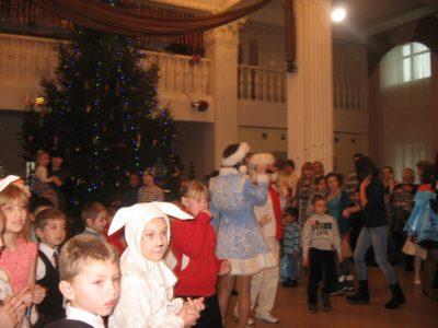 Новогодний праздник для детей украинских беженцев, январь 2016 г.